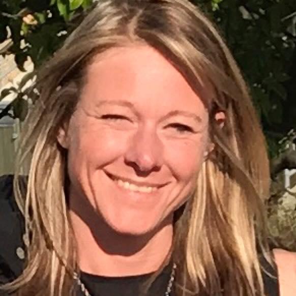 Pia Schilling anmelder introkursus i kognitiv hypnoseterapi.