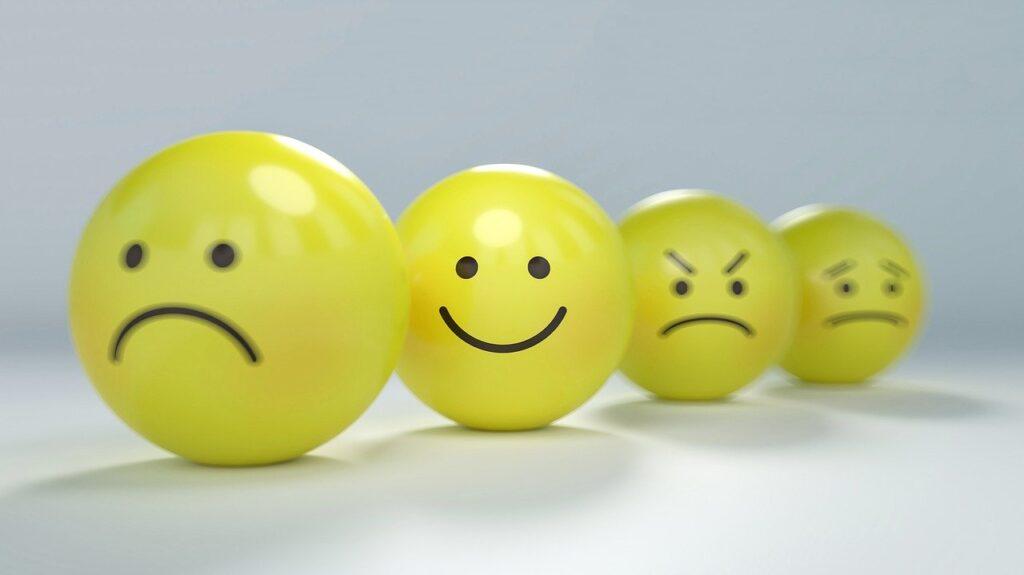 Stop tanken slip angsten. Følelser er bare følelser. Følelser fortæller intet om virkeligheden.